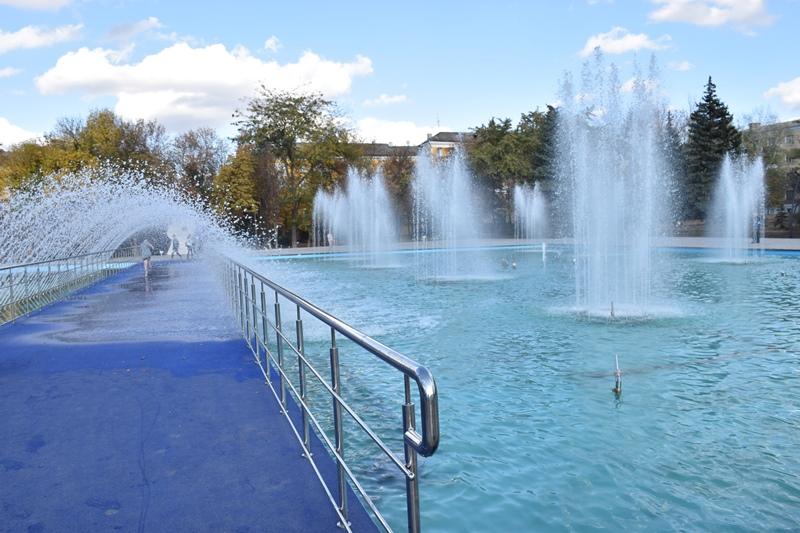 У сквері Профспілок новий фонтан проходить пуско-налагоджувальні роботи, фото-5