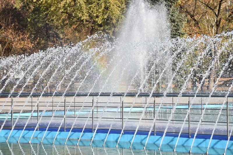 У сквері Профспілок новий фонтан проходить пуско-налагоджувальні роботи, фото-10