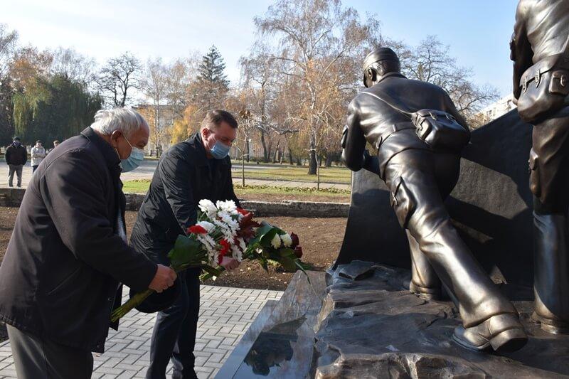 У Краматорську відкрили пам'ятний знак учасникам ліквідації наслідків аварії на Чорнобильський АЕС, фото-3