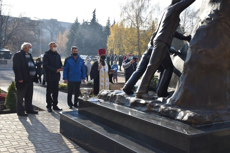 У Краматорську відкрили пам'ятний знак учасникам ліквідації наслідків аварії на Чорнобильський АЕС, фото-6