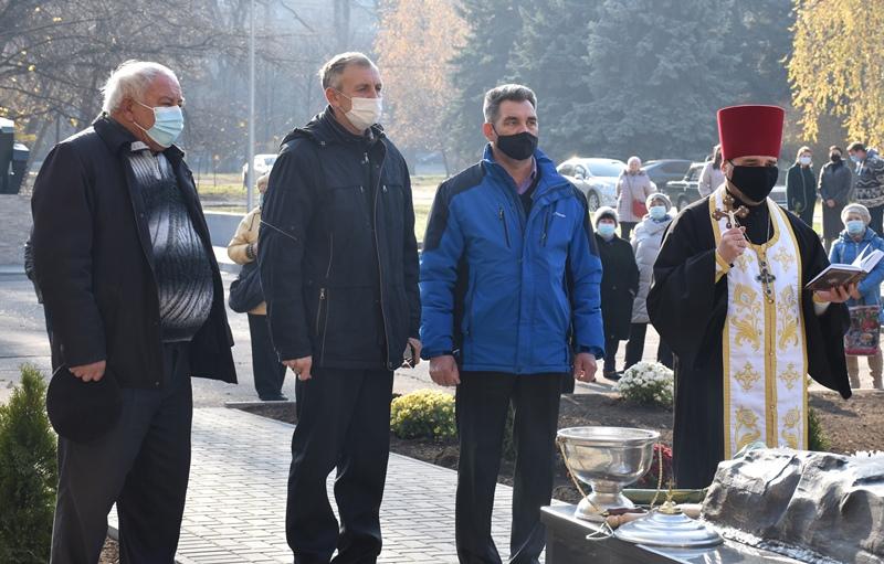 У Краматорську відкрили пам'ятний знак учасникам ліквідації наслідків аварії на Чорнобильський АЕС, фото-7