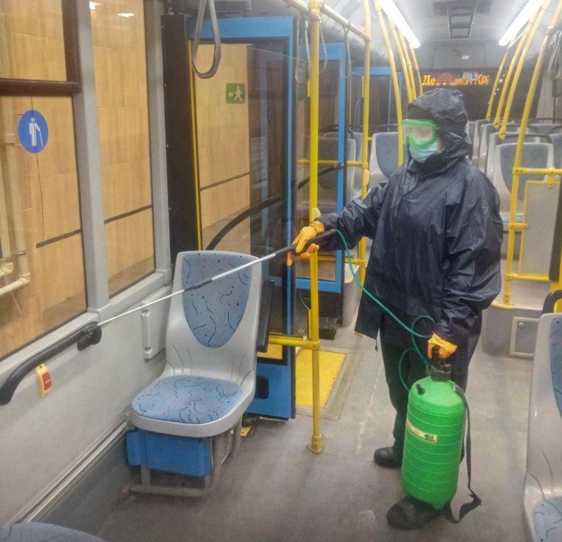 ФОТОФАКТ. У Краматорську продовжують проводити щоденну дезінфекцію пасажирського транспорту, фото-3