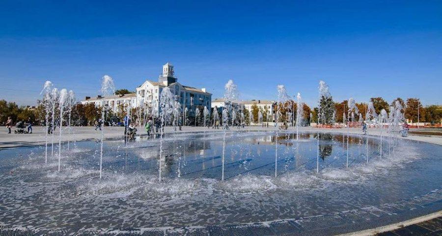 Завтра у Краматорську на площі Миру запрацюють фонтани, фото-1